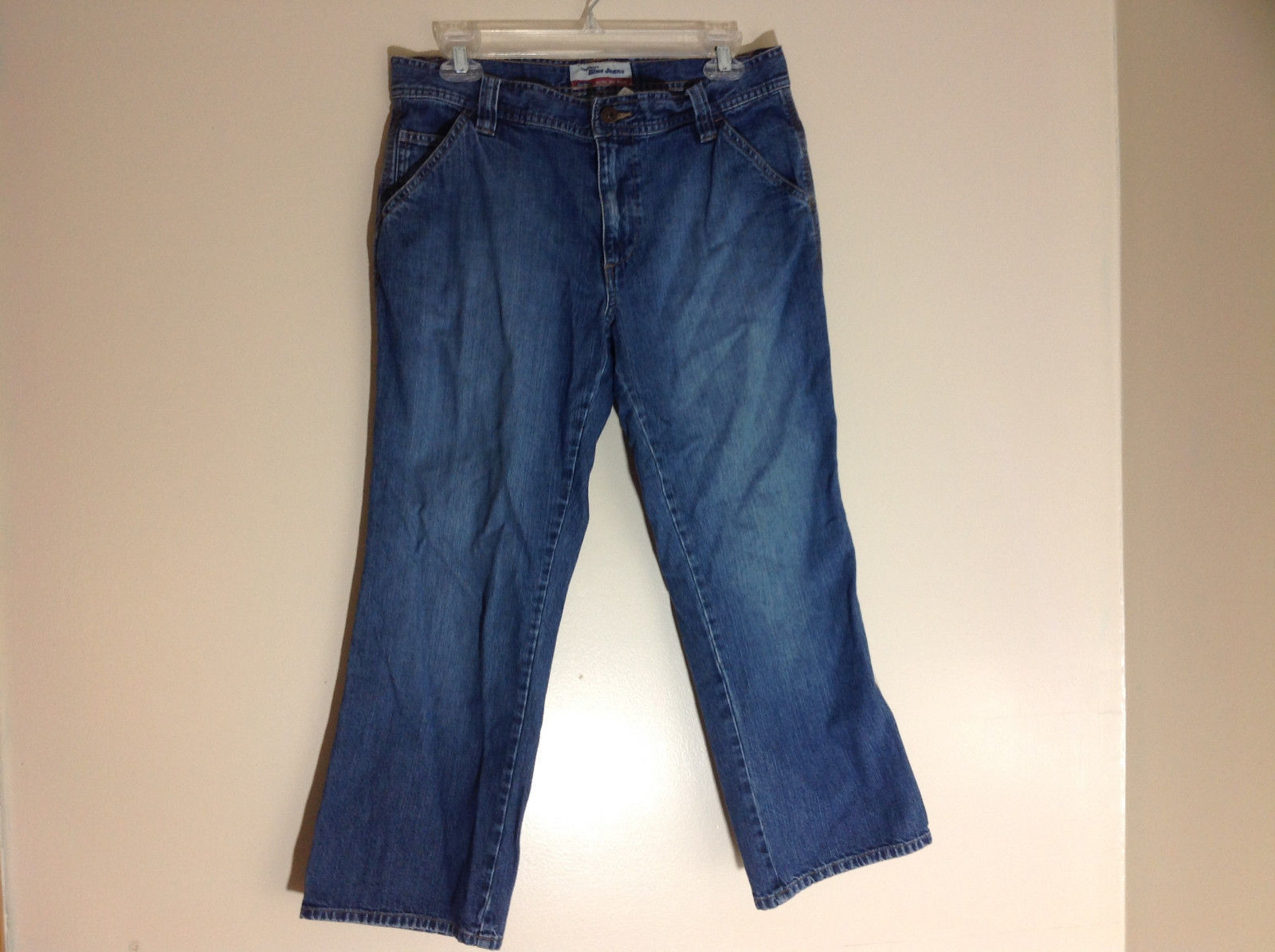 Old Navy Ultra Low Waist Capri Blue Jeans Front and Back Pockets Size 8