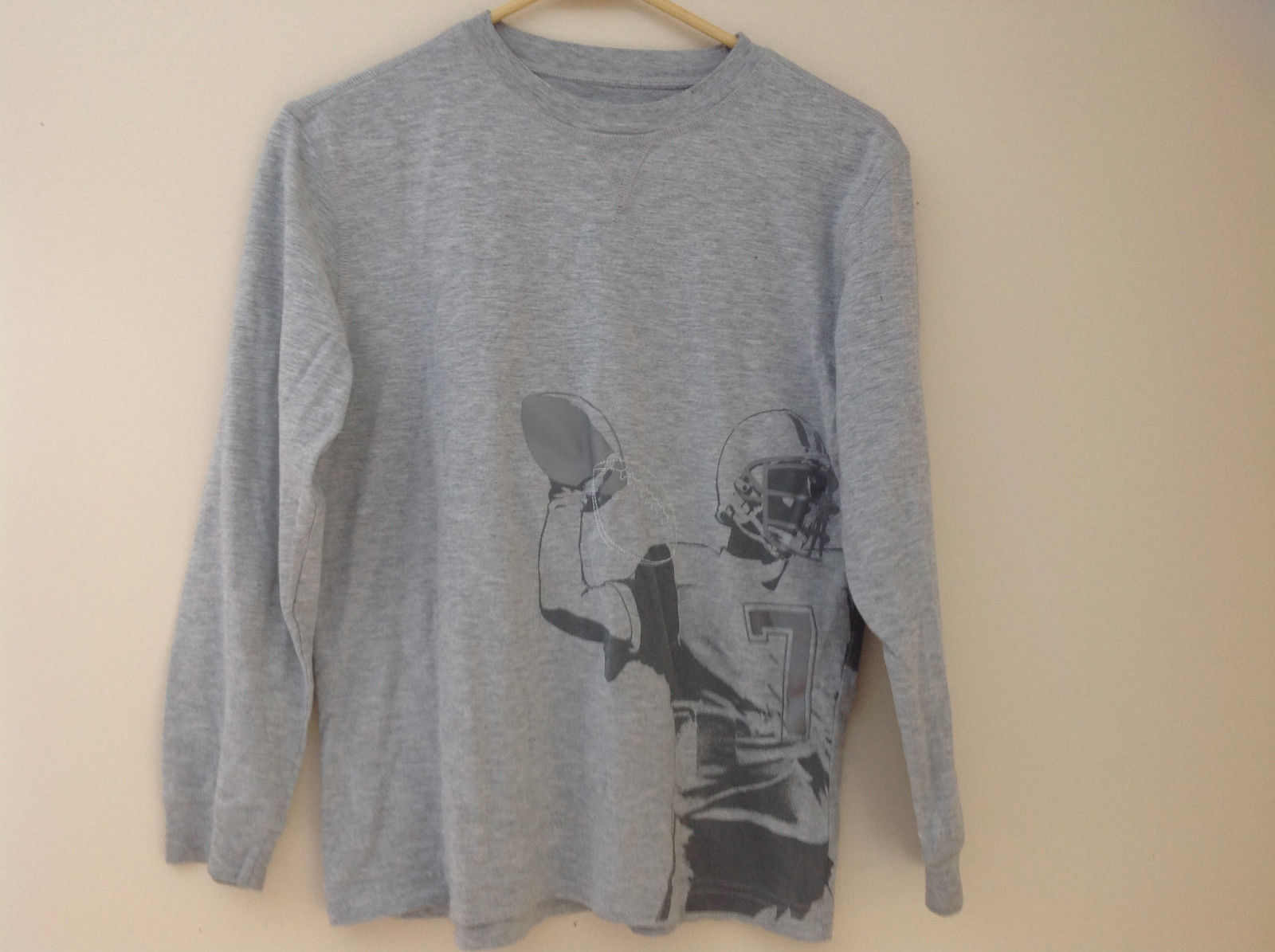 Old Navy Gray Long Sleeve Football Player Graphic Shirt Size Large 10 to 12