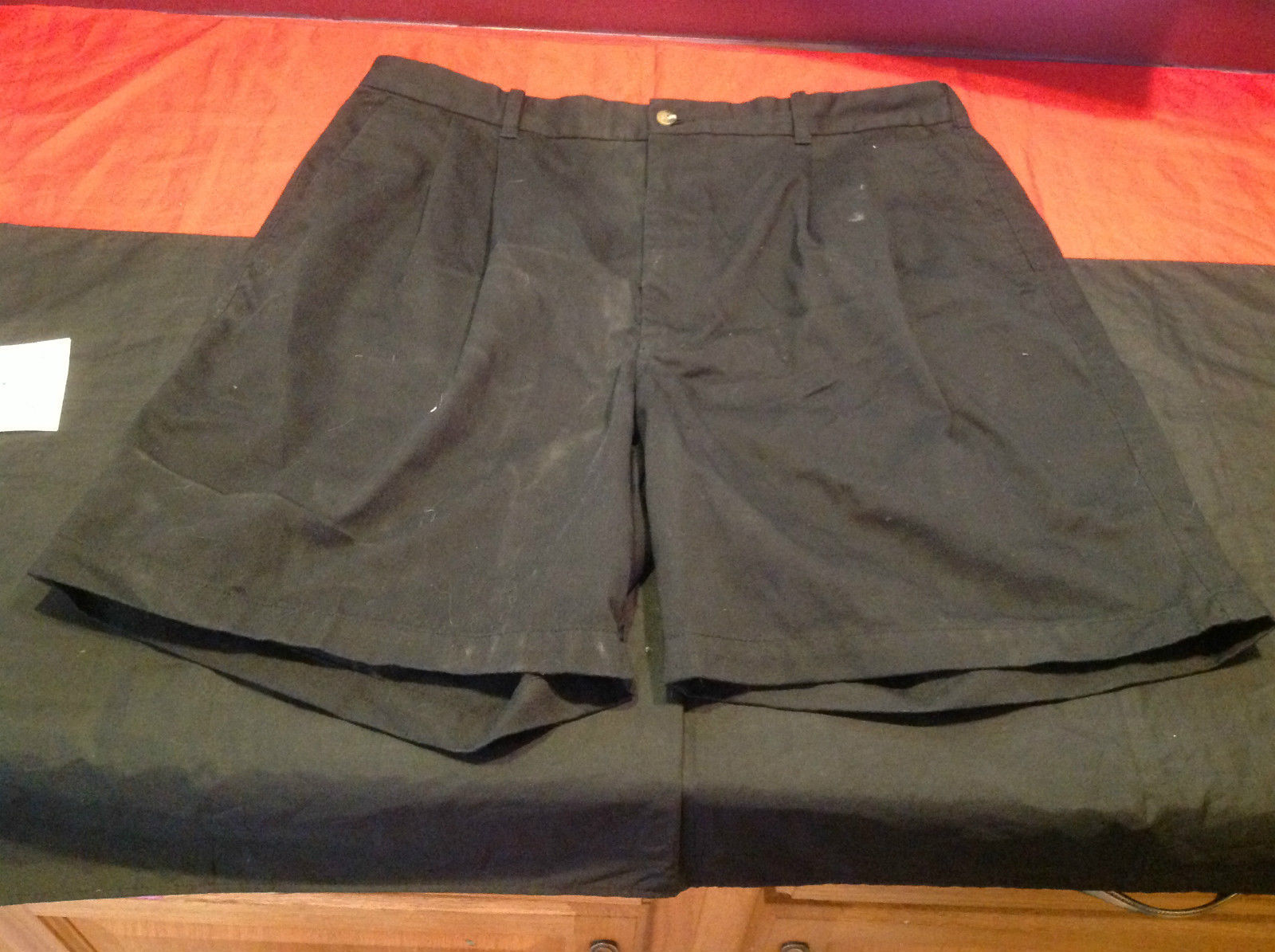 Outer Rim Mens Pleated Front Black Shorts 2 Button Pockets in Back Size 40