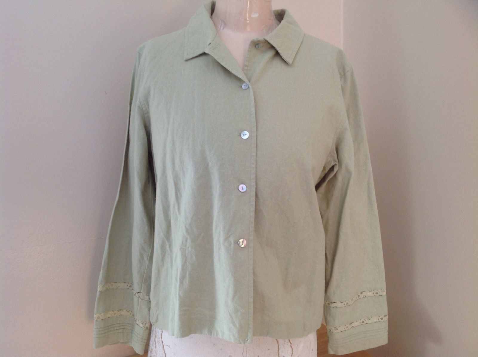 Pale Green Linen Button Up Long Sleeve Shirt Norton Studio Size Medium