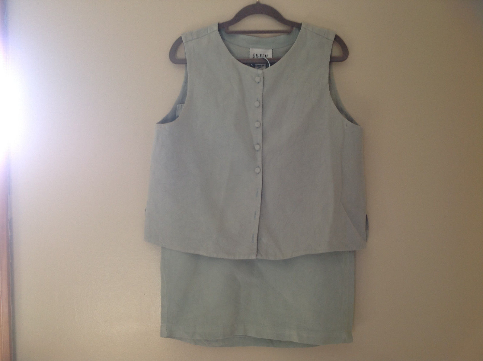 Pale Green matching Sleeveless Shirt and Skirt Set Eileen Fisher Size Size Small