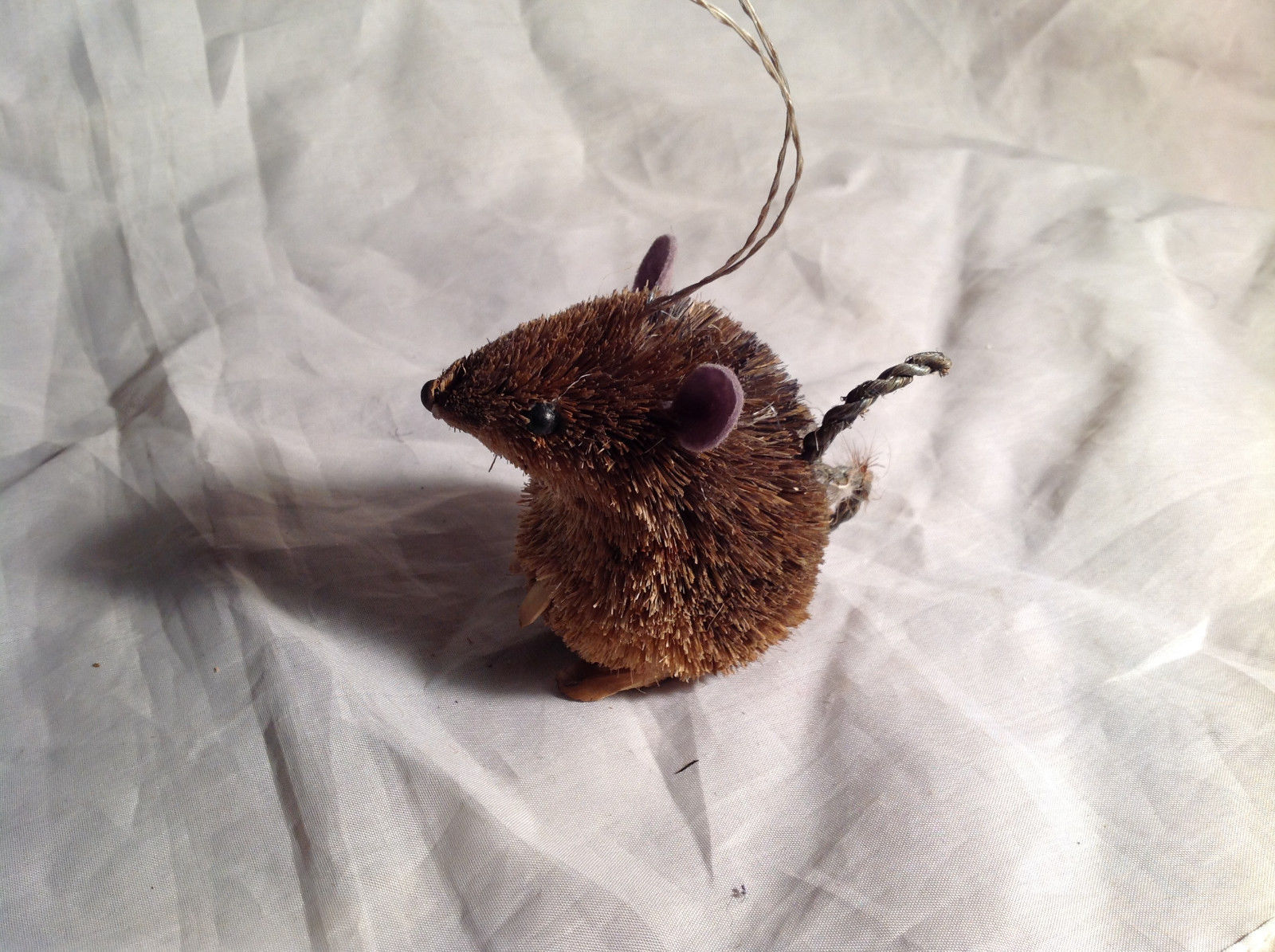 Palm Fiber Seated Mouse Brush Animal Eco Fiber Sustainable Ornament