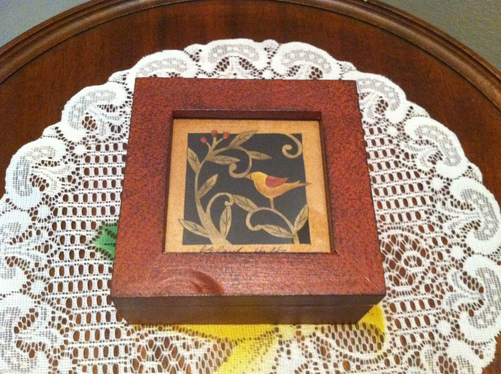 Paper Cutting Vines and Bird Facing Left Small Trinket Box
