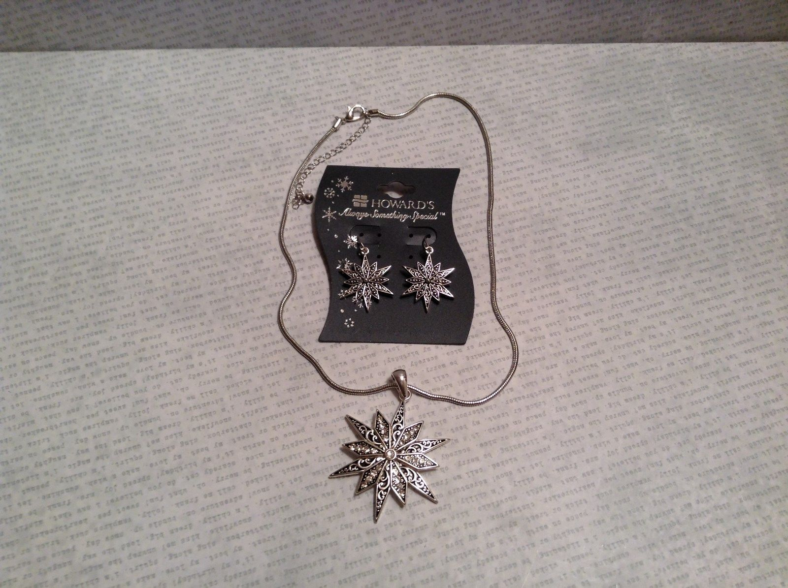 Pendant Necklace and Earring Set Snowflake Shaped Nickel Free Metal Snake Chain