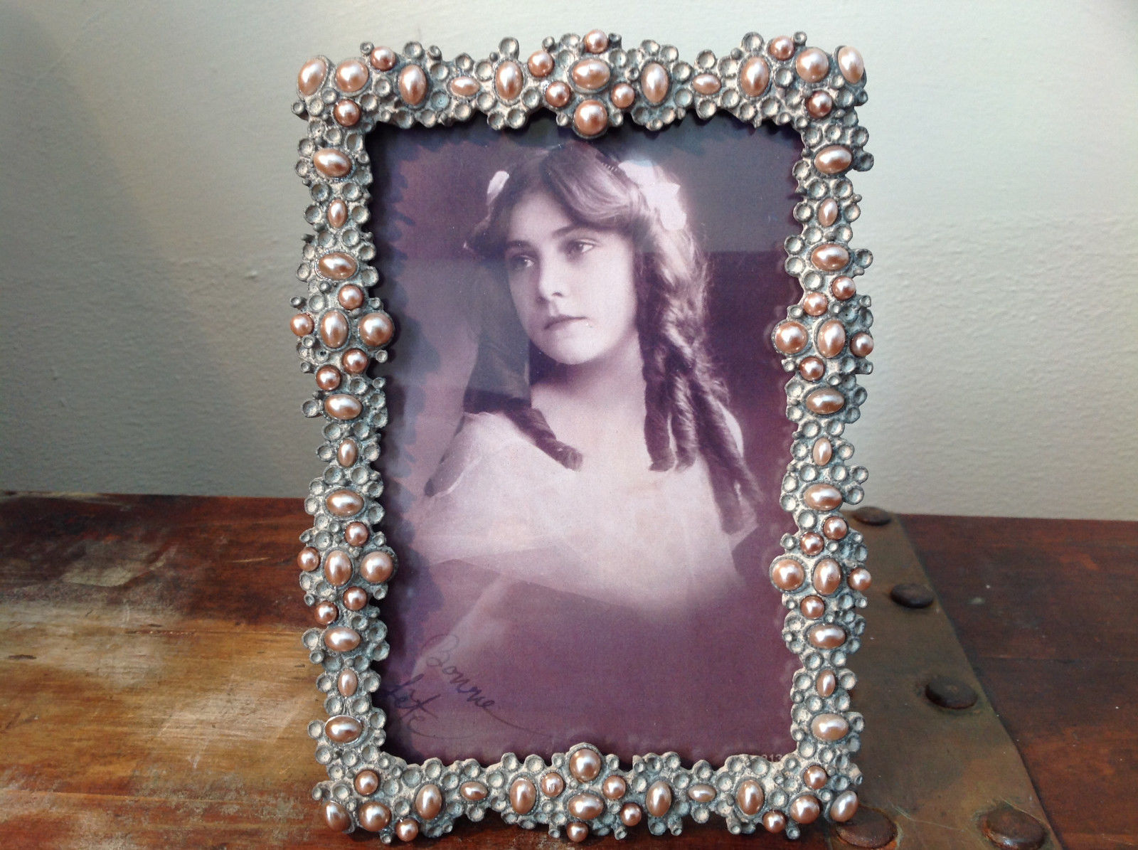 Pearl Like Decorated Metal Antiqued Photo Frame Bubble Looking Design