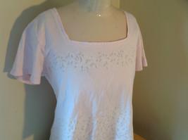Liz Claiborne Liz Sport Pink T-Shirt with Tiny Flower Designs Bottom and Chest image 2