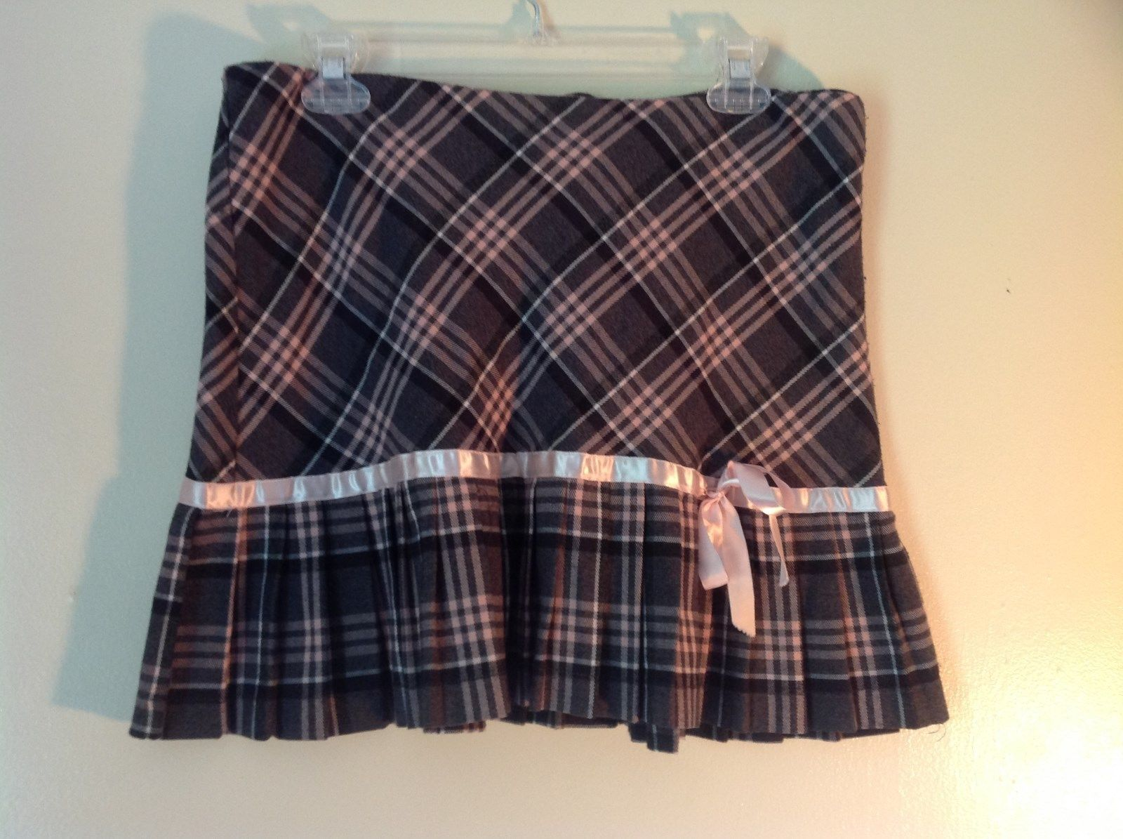 Pink Gray White Plaid Size 9 to 10 Skirt Pink Ribbon Made in USA Luna Chix