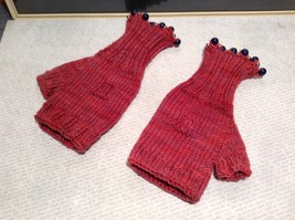 Pink Lavender Hand Knitted Woven Fingerless Gloves Beads on End Very Soft