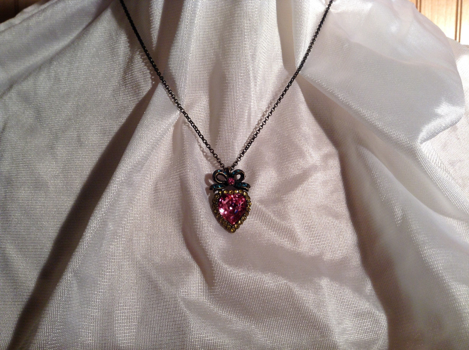Pink Heart with Bow on Top Colorful Gold Vintage Pendant Necklace
