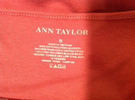 Ann Taylor 100% Cotton Crew Neck Pink Short sleeve Blouse Top, Size S image 5