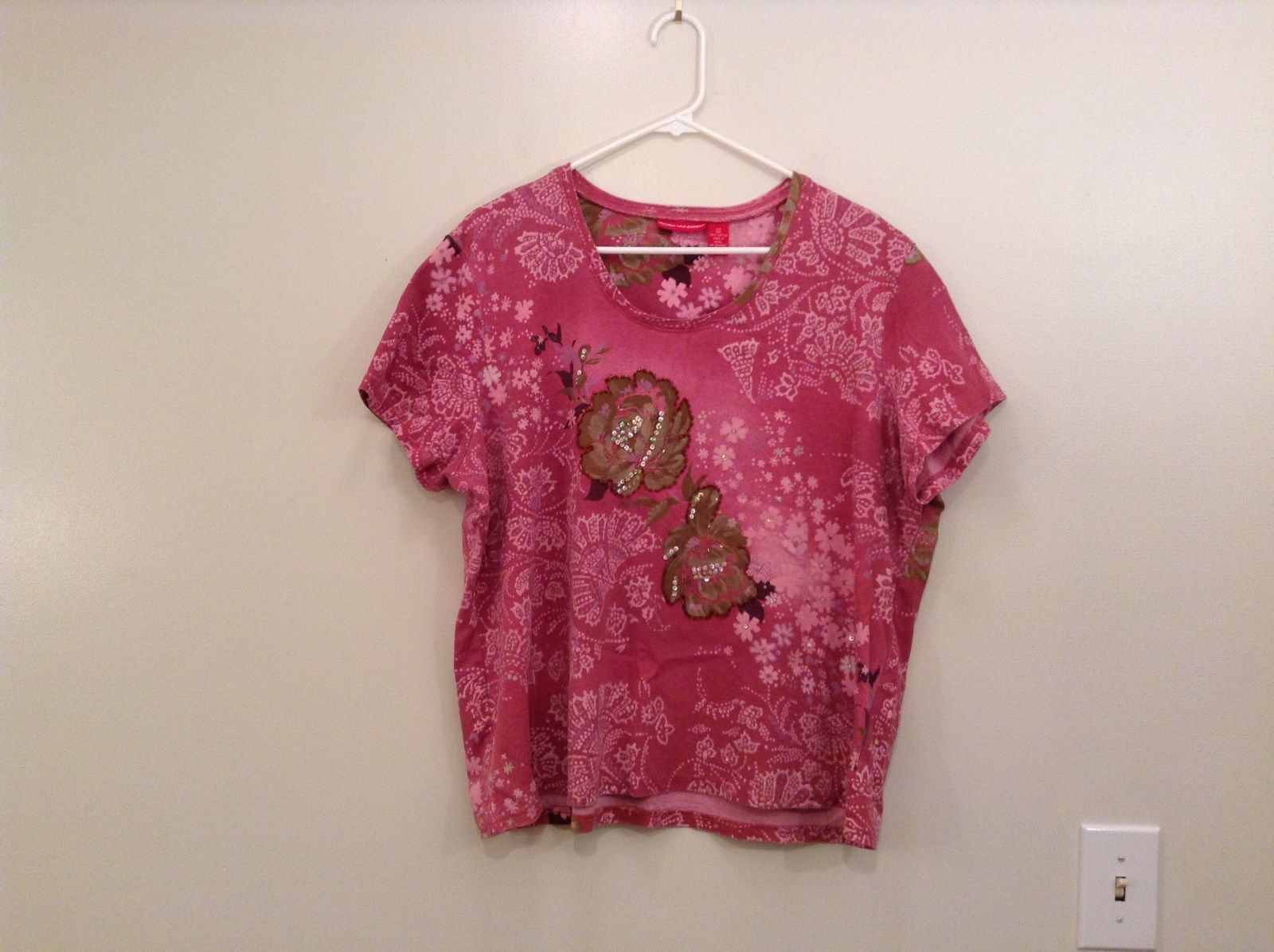 Pink with Sequins on Front Short Sleeve Cotton Top Gloria Vanderbilt Size 2X