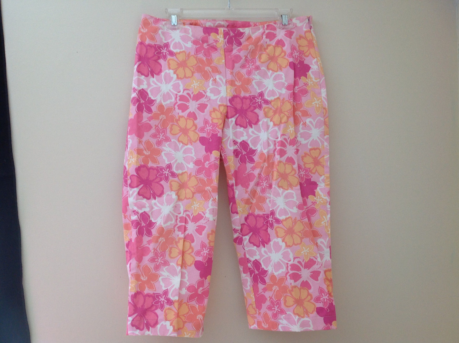 Pink Orange White Flower Capri Pants Side Zip Closure Liz Claiborne Size 10