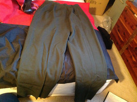 Liz Clairborne Ladies Green/Olive Blazer and Pants Set Size 10 (both pieces) image 10