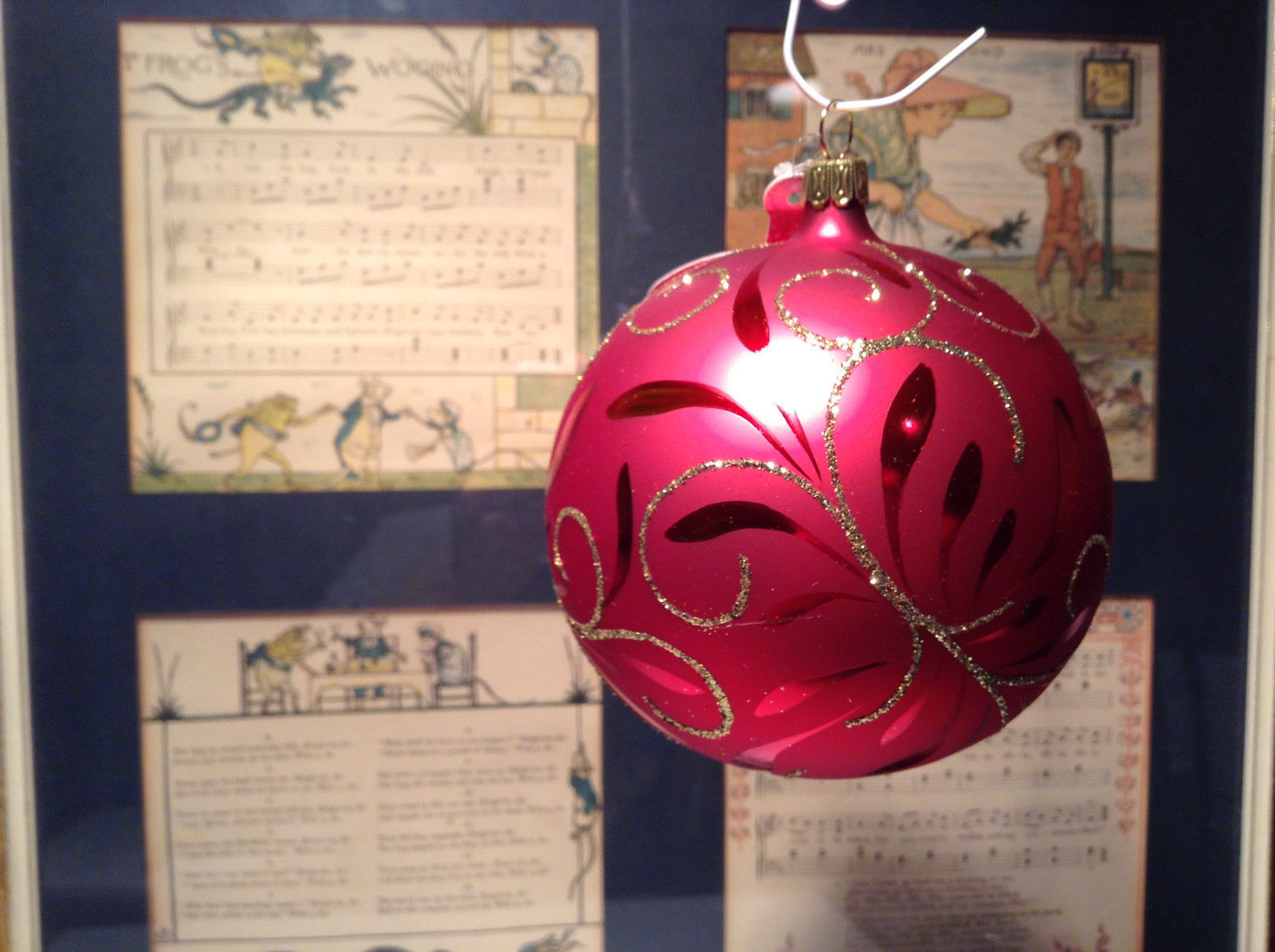 Red Ball Classic Gold Accents Old German Christmas Glass Tree Ornament