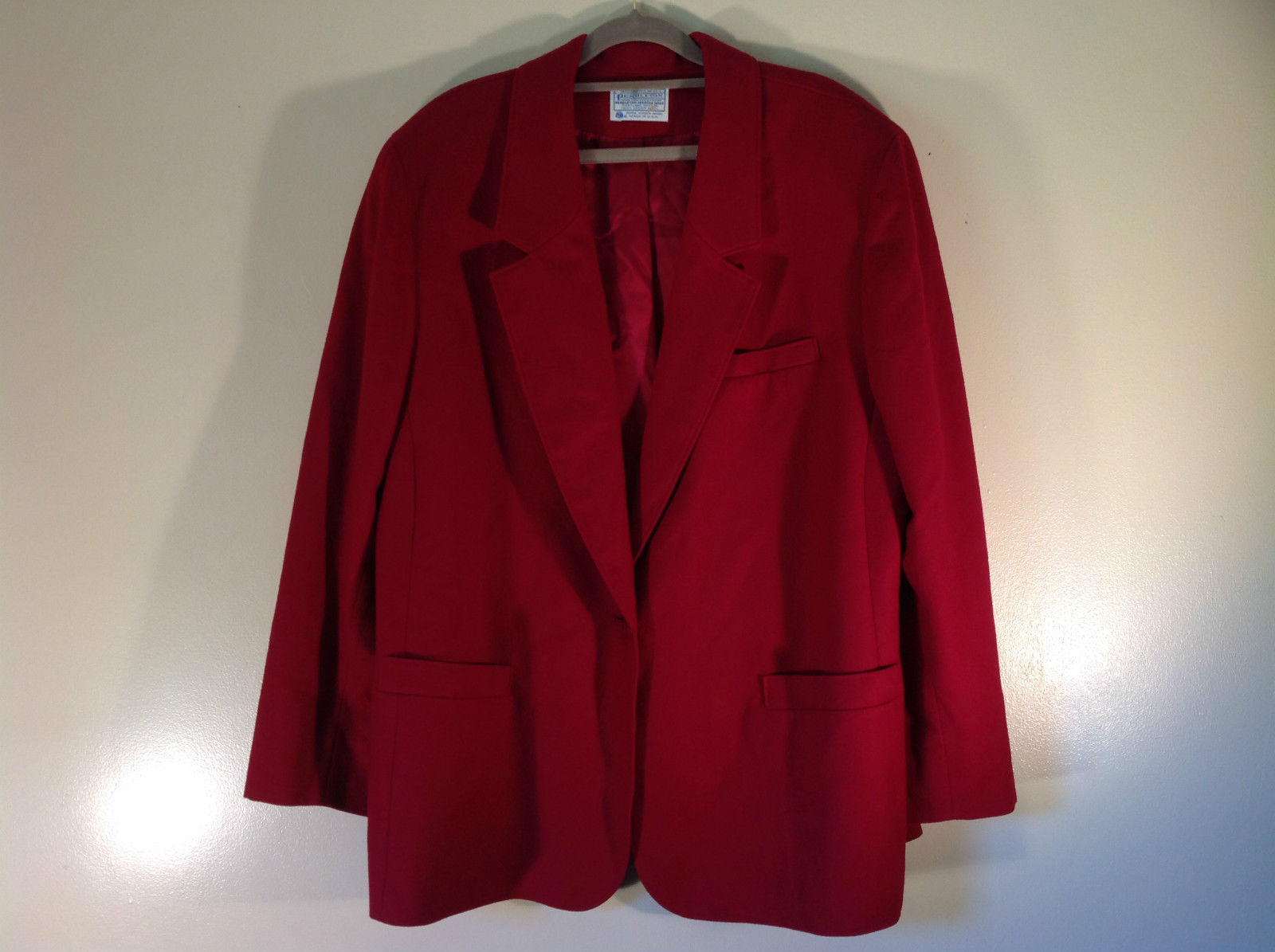 Red 100 Percent Wool Pendleton Blazer Padded Shoulders Excellent Condition