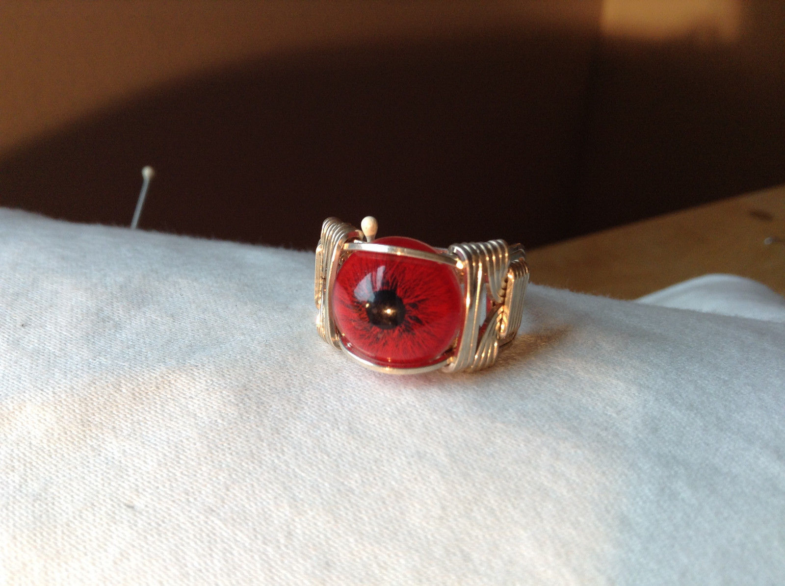 Red Eye Silver Tone Metal Wired Ring Size 7.75