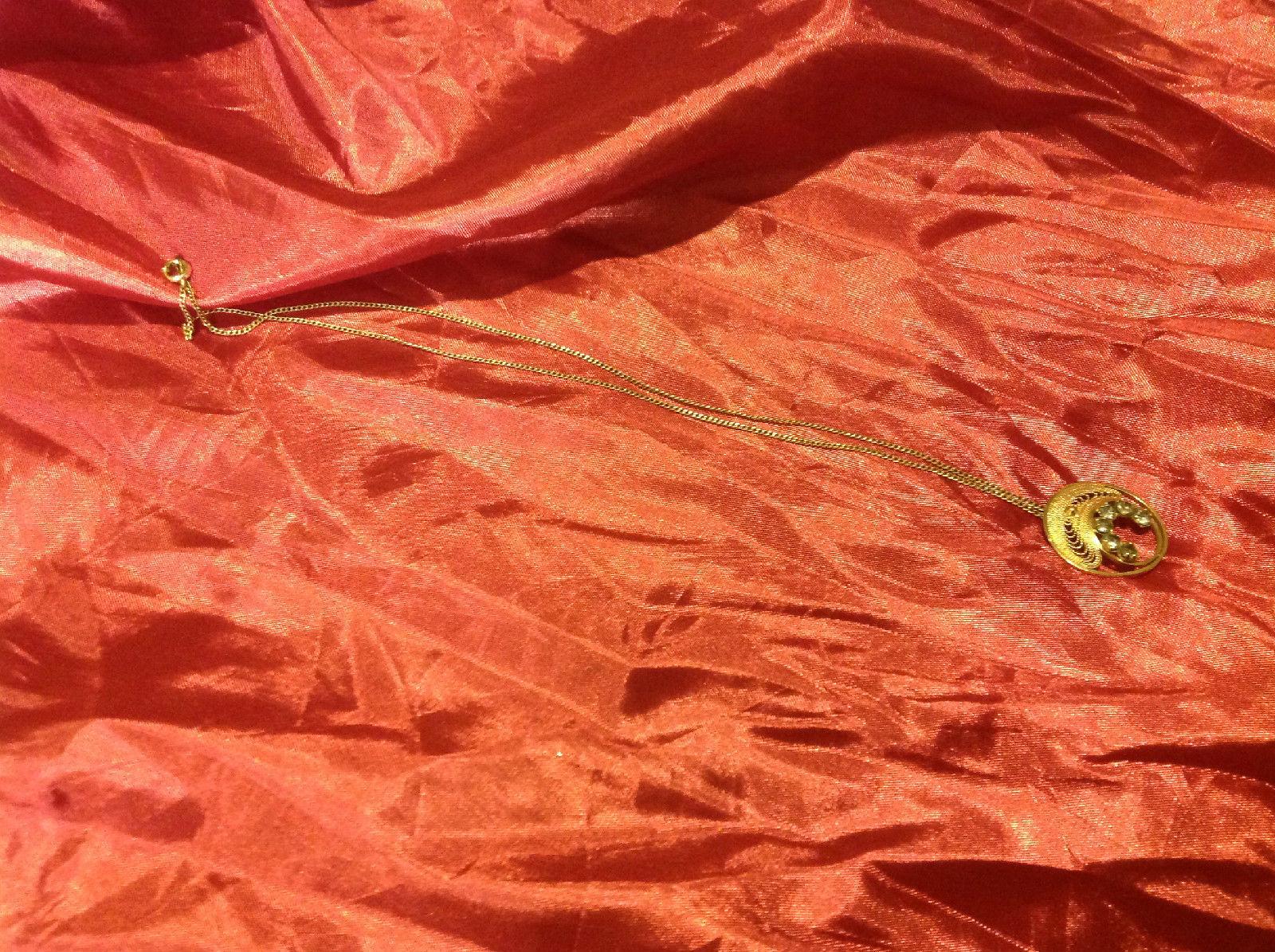 Pretty 10 inch silver necklace