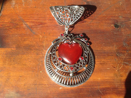 Pretty Circular Shape with Red Heart Shape Stone and Red Crystals Scarf Pendant