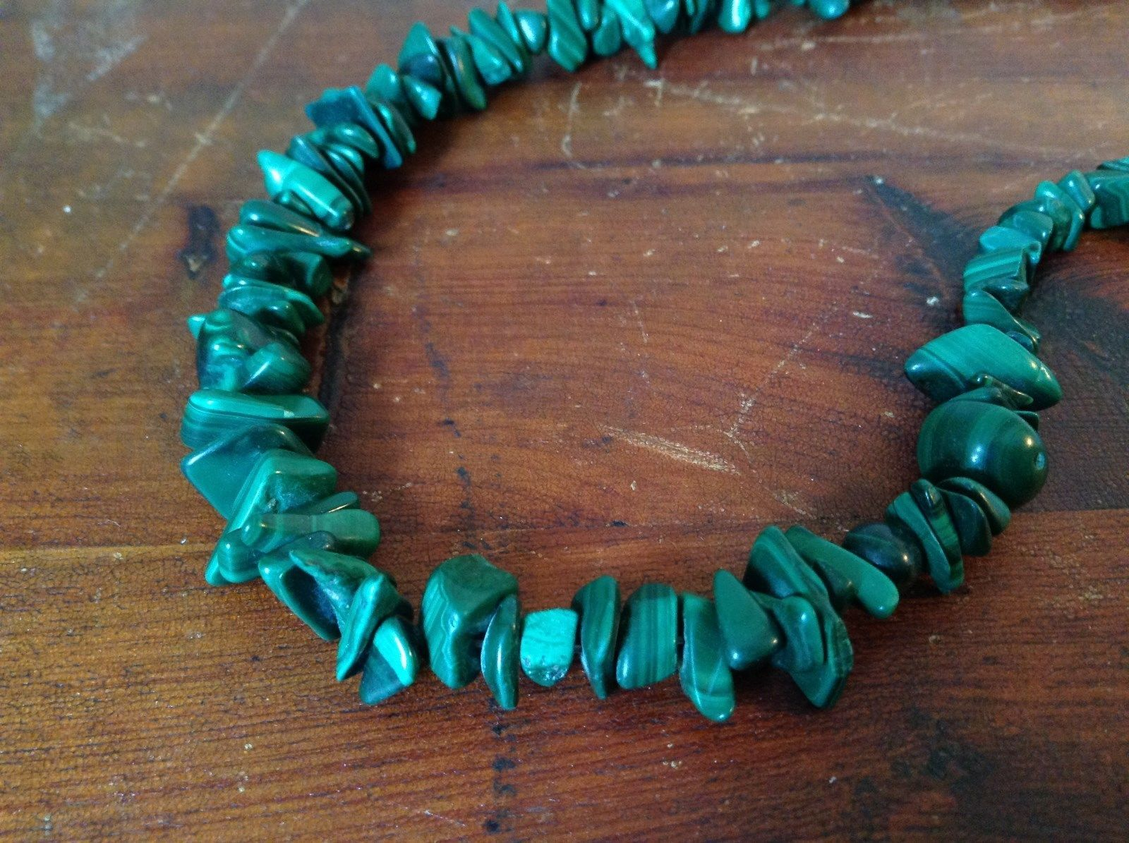 Pretty Green 36 Inch Necklace Malachite Chip