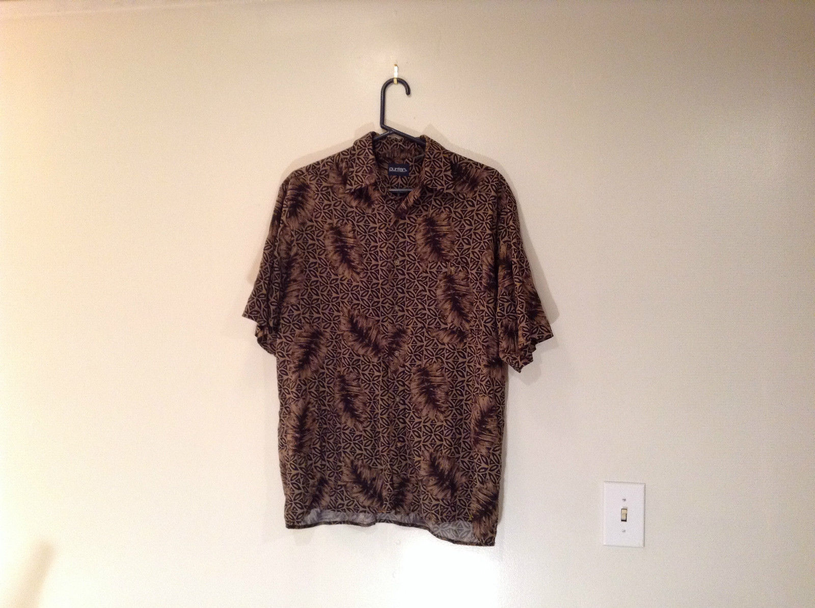 Puritan Short Sleeve Casual Shirt Size M Brown and Black Leaf Pattern Button Up