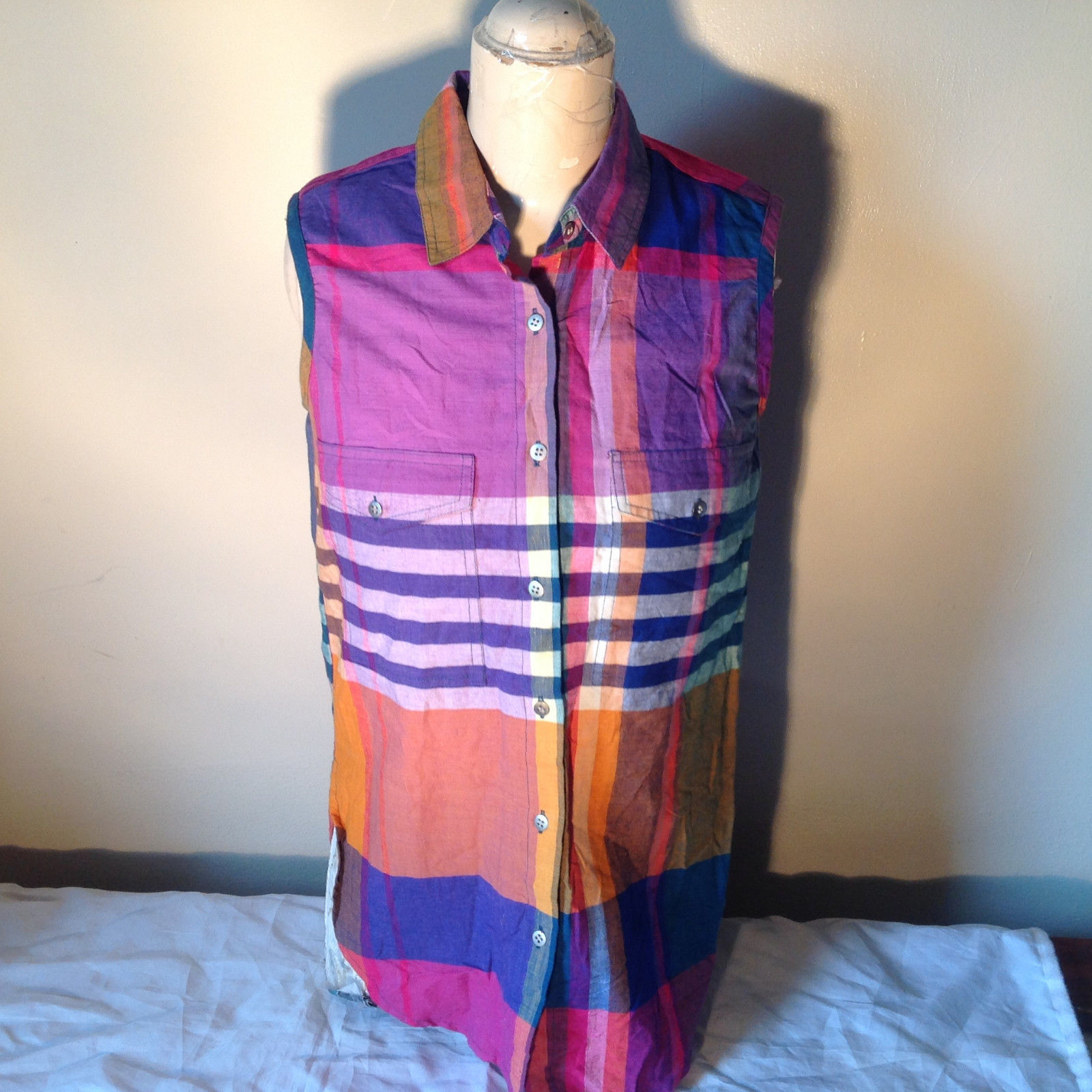 QPS Plaid Long Button Down Sleeveless Shirt 2 Front Pockets Size Small