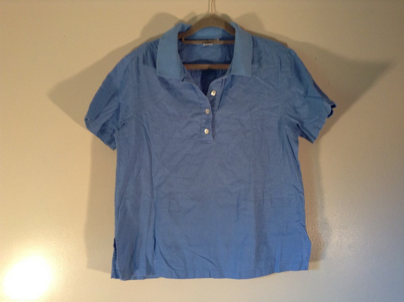 Real Clothes Saks Fifth Avenue Blue Short Sleeve Collar 4 Button Closure Size S