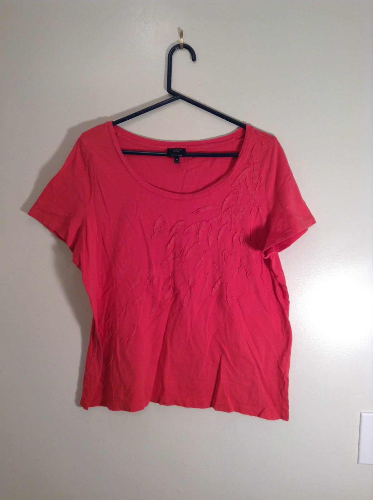 Red Talbots Short Sleeve Cotton Rounded Neckline Top Pattern on Front Size 1X