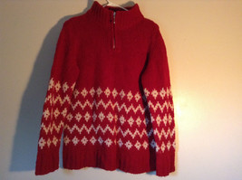 Red Winter Sweater with Zipper Closure at Neck White Design by Q and A Size S