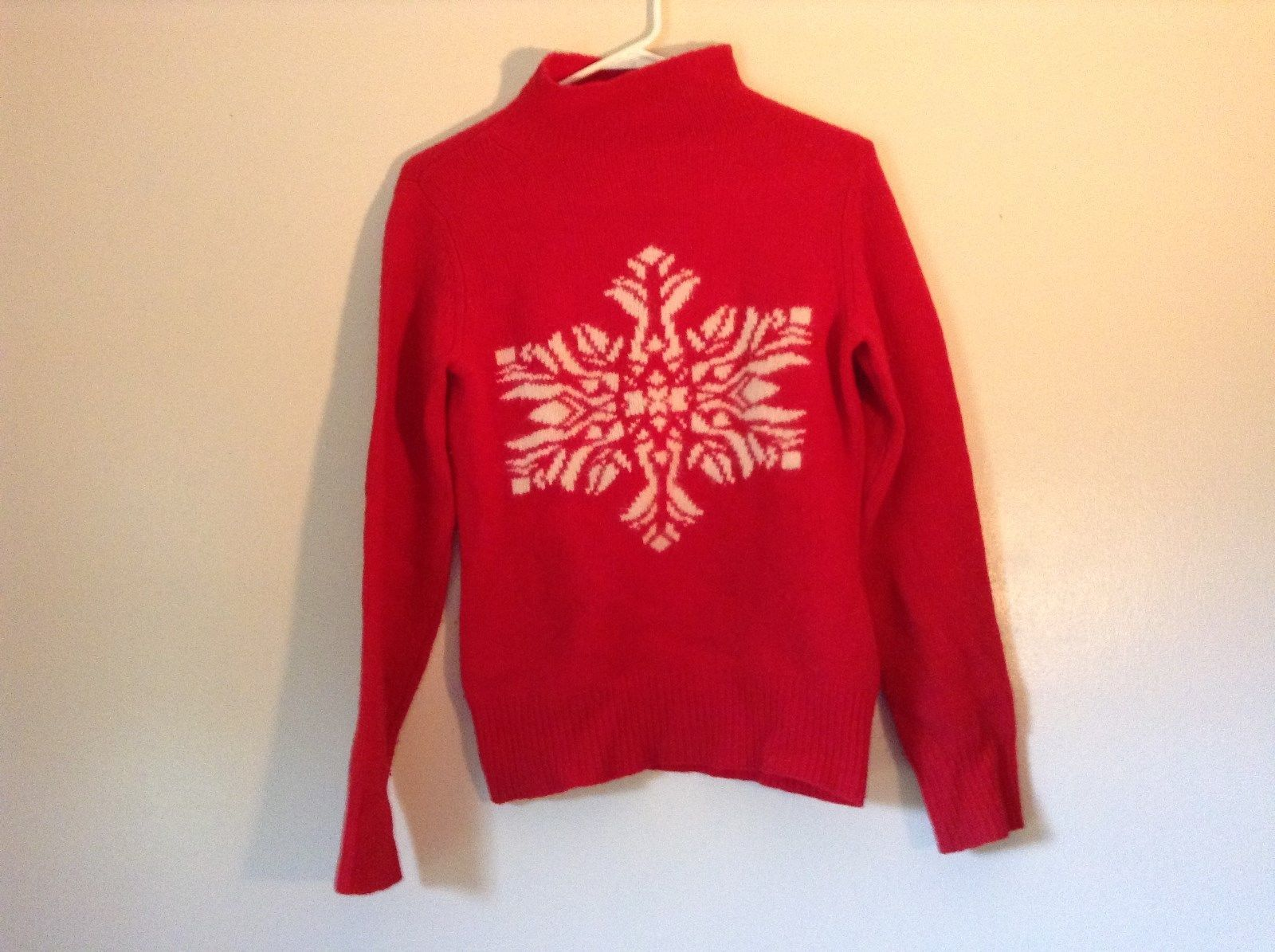 Red Turtleneck Sweater 100 Percent Lambs Wool White Design Snowflake Size Small