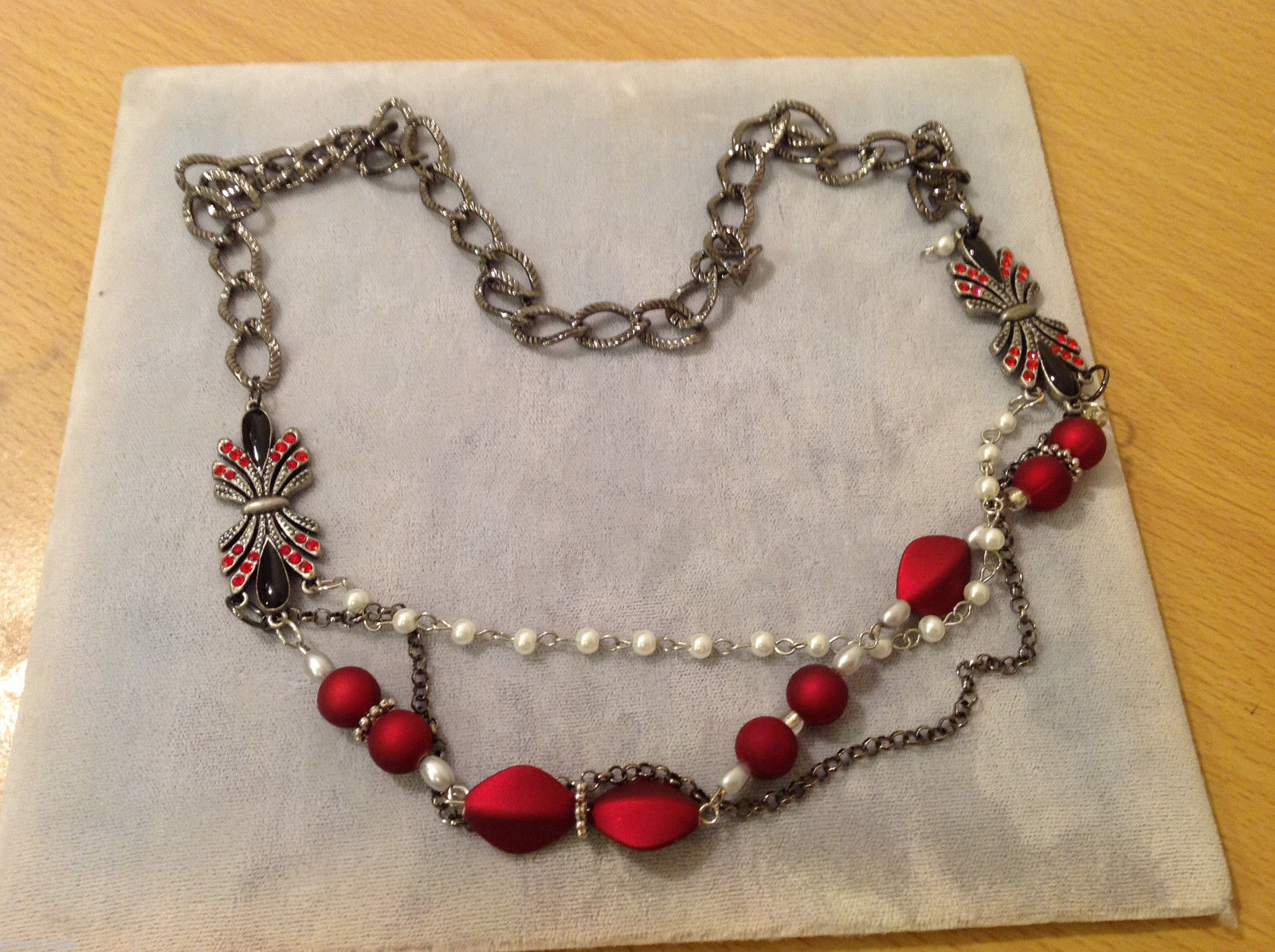Red Silver Black colored Bead and Metal necklace strand with crystal stones