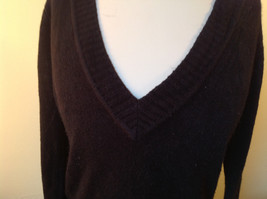Lovely H and M Long Sleeve Black V Neck Sweater Soft  Made in Cambodia Size M image 2