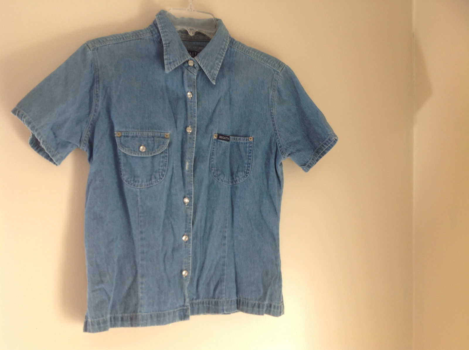 Regatta New York Denim Button Up Short Sleeve Shirt 2 Pockets on Chest Size M