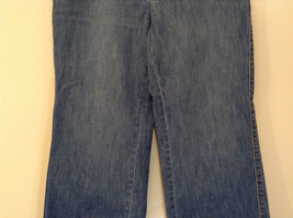 Medium Wash Blue Jeans New York and Company Size 12 Very Good Condition image 4