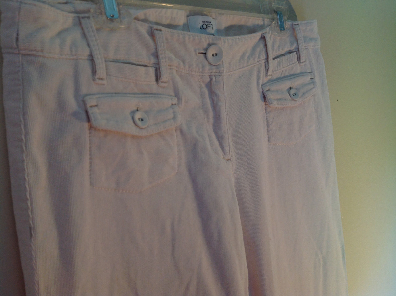 Ann Taylor LOFT White Pants Size 10 Front and Back Pockets