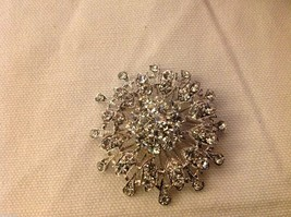 Rhinestone round circle snowflake pin new but vintage looking