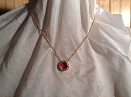 Round Red and White Stone Gold Tone  Pendant Necklace Lobster Clasp Closure