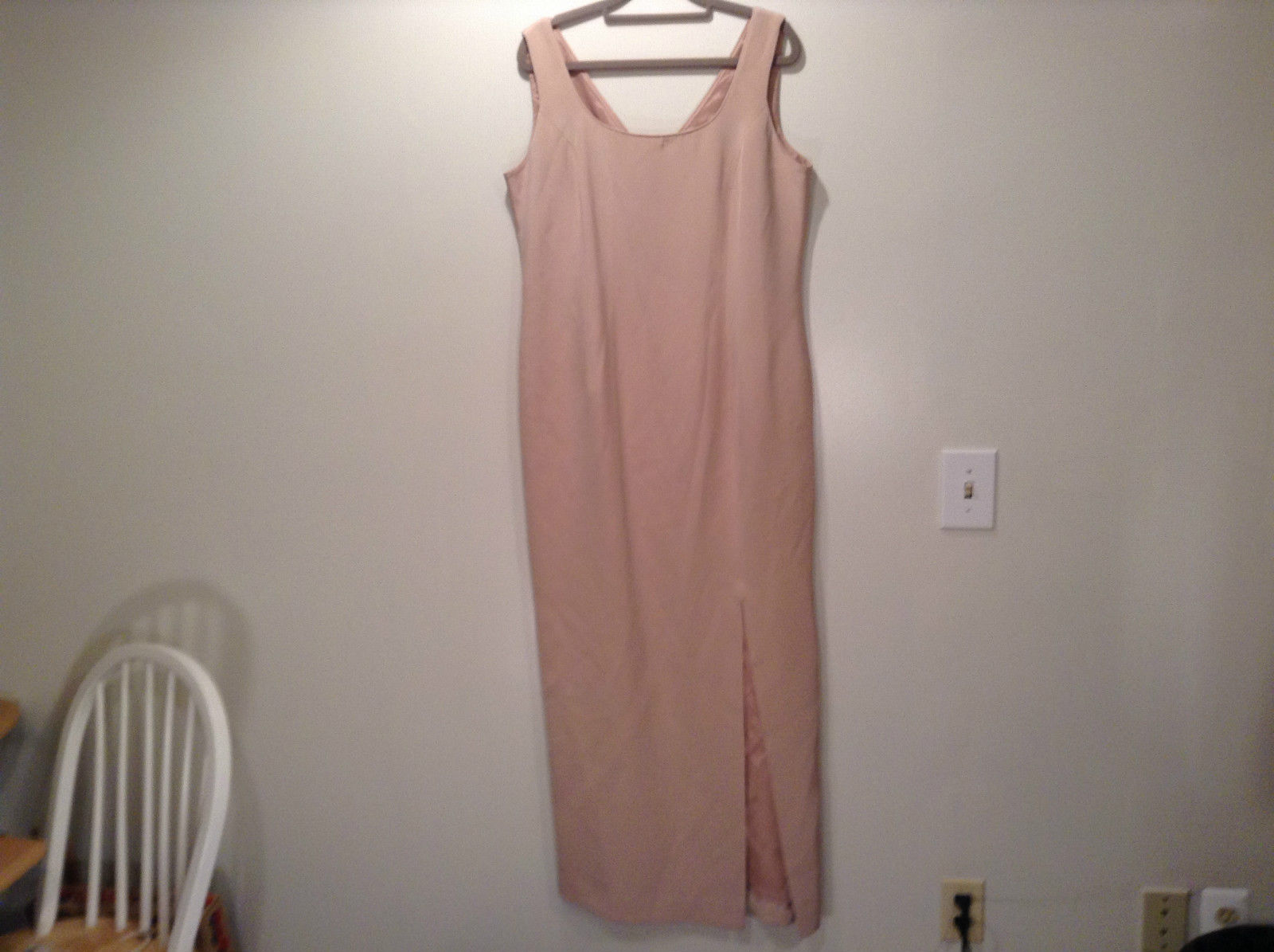 Rickie Freeman 100% Silk Size 14 Beige Sleeveless Evening Party Dress Front Slit