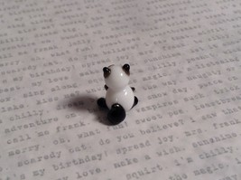 Micro miniature small hand blown glass figurine black white kitty cat USA  NIB image 4