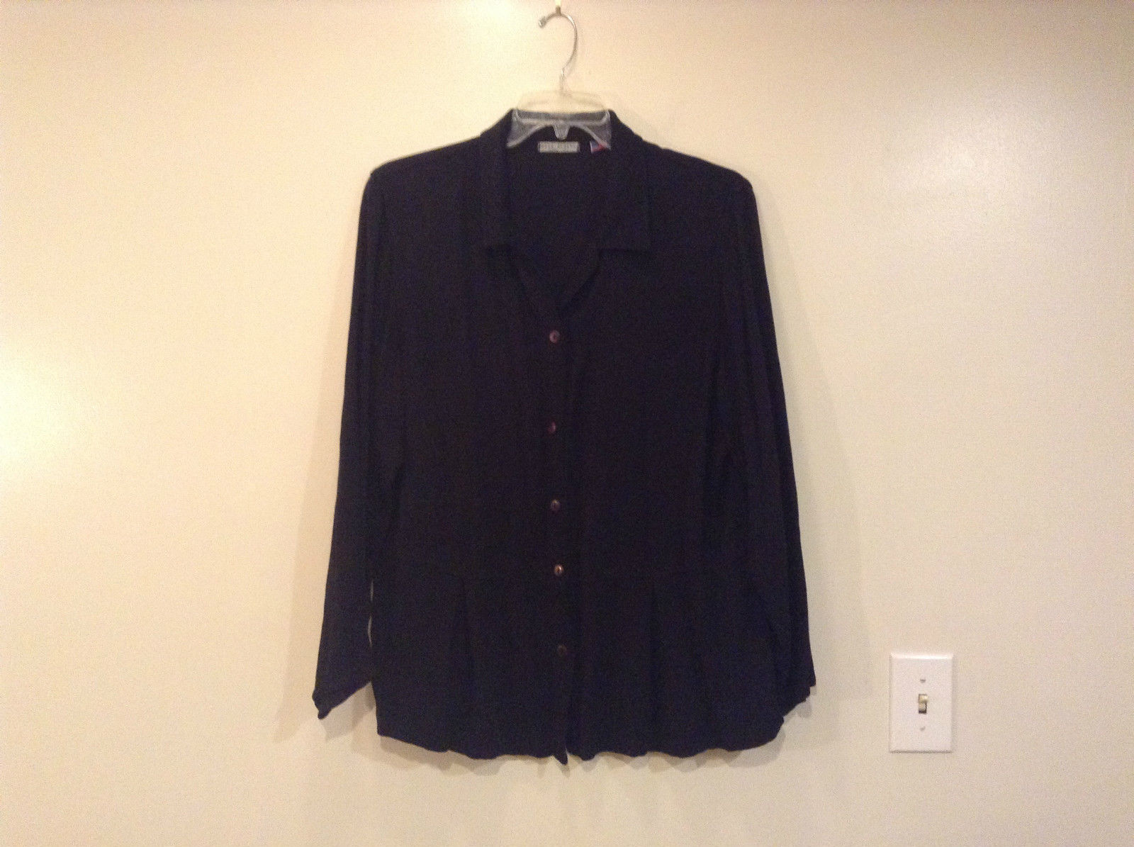 Russ Berens Black Long Sleeve V Neck Button Up Shirt Pleats Down Front Size XL