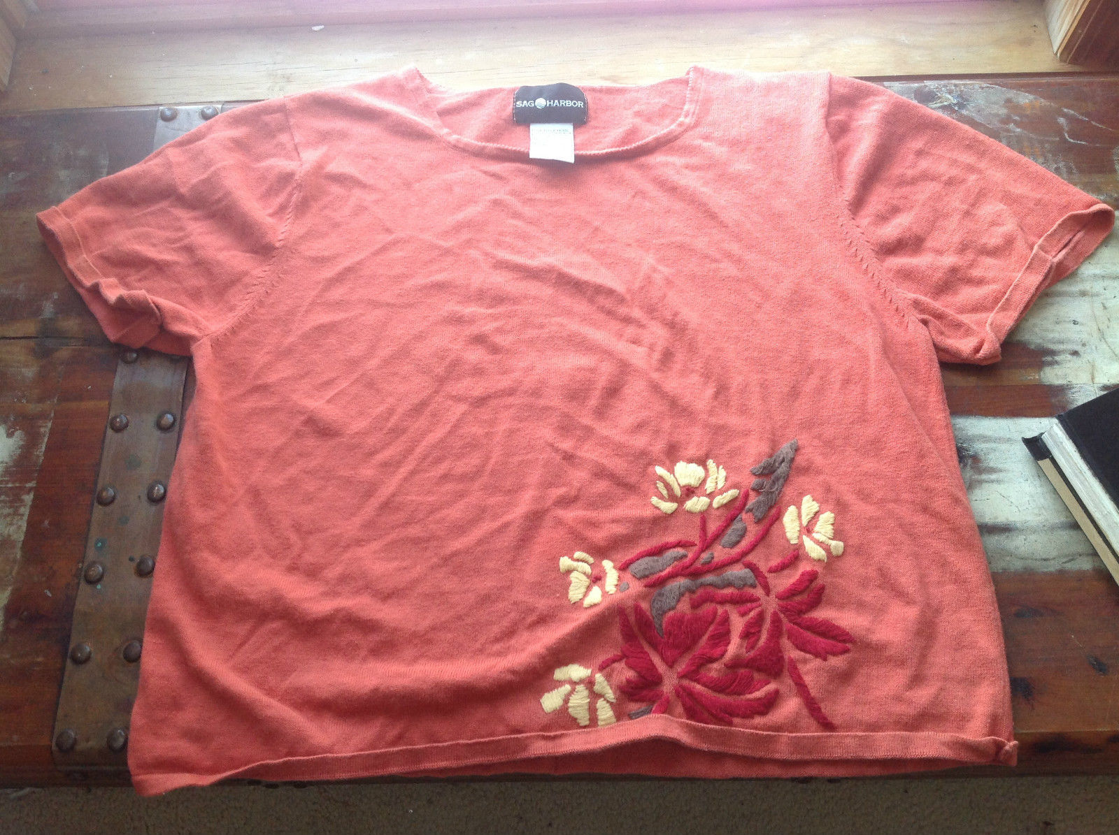 Sag Harbor Short Sleeve Orange Sweater with Pattern on Bottom Right Size XL