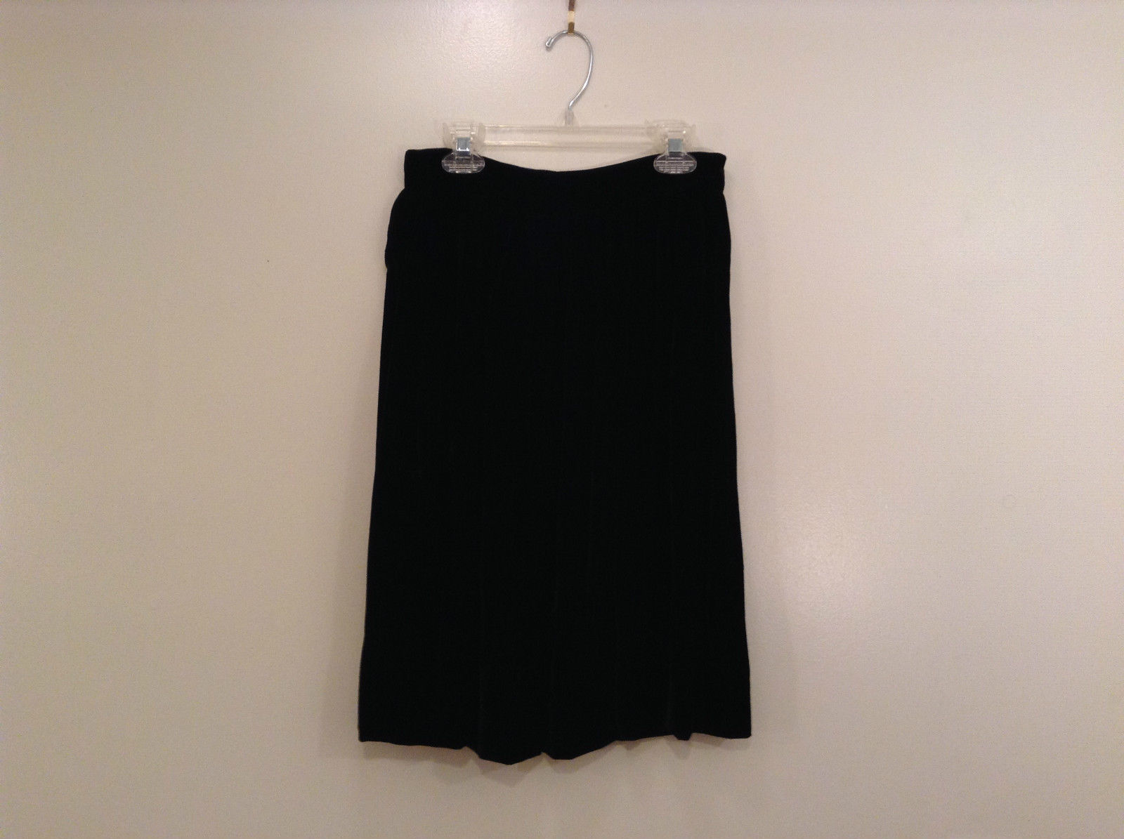 Saks Fifth Avenue Size 6 Black Velvet Dress Skirt Side Pockets Very Nice