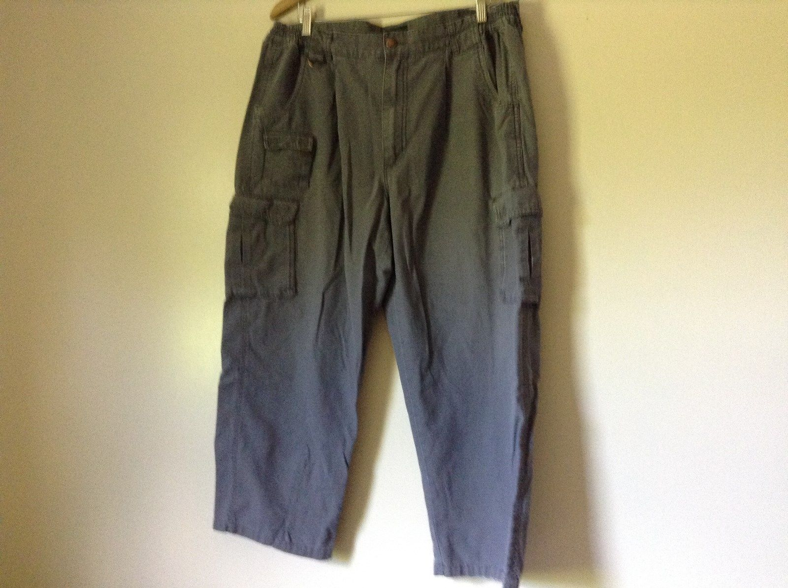 Scandia Woods Gray Cargo Pants 100 Percent Cotton Stretchy Waist