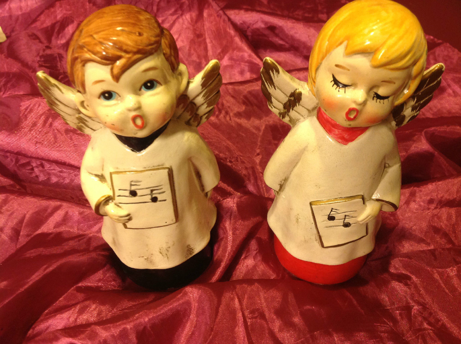 Set of 2 angels 7 inches salt and pepper shakers vintage from estate