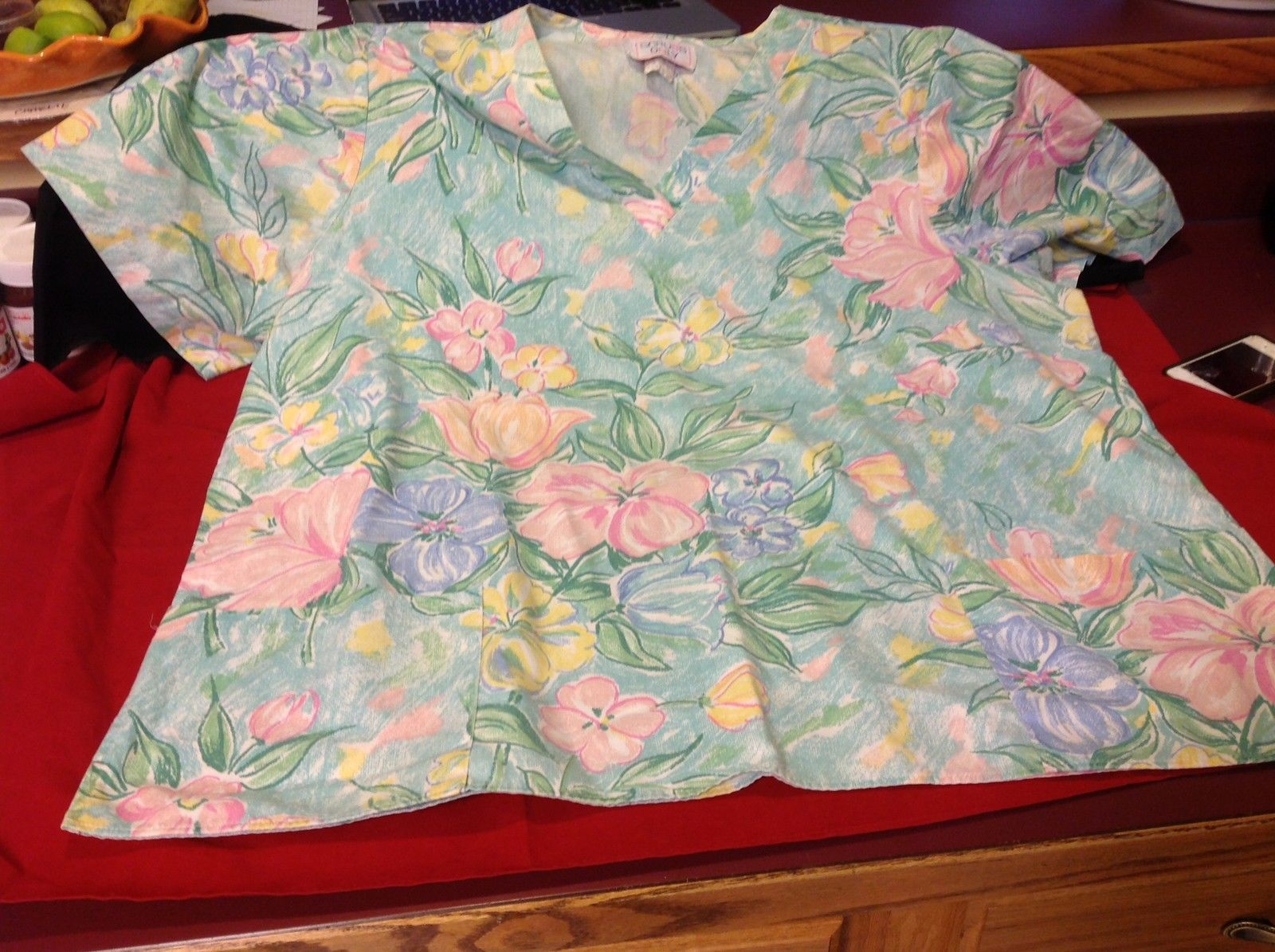 Scrubs Only Scrub Top Floral Blue Pink 30 In W 27 In L 12 In Arm 8 In Neck