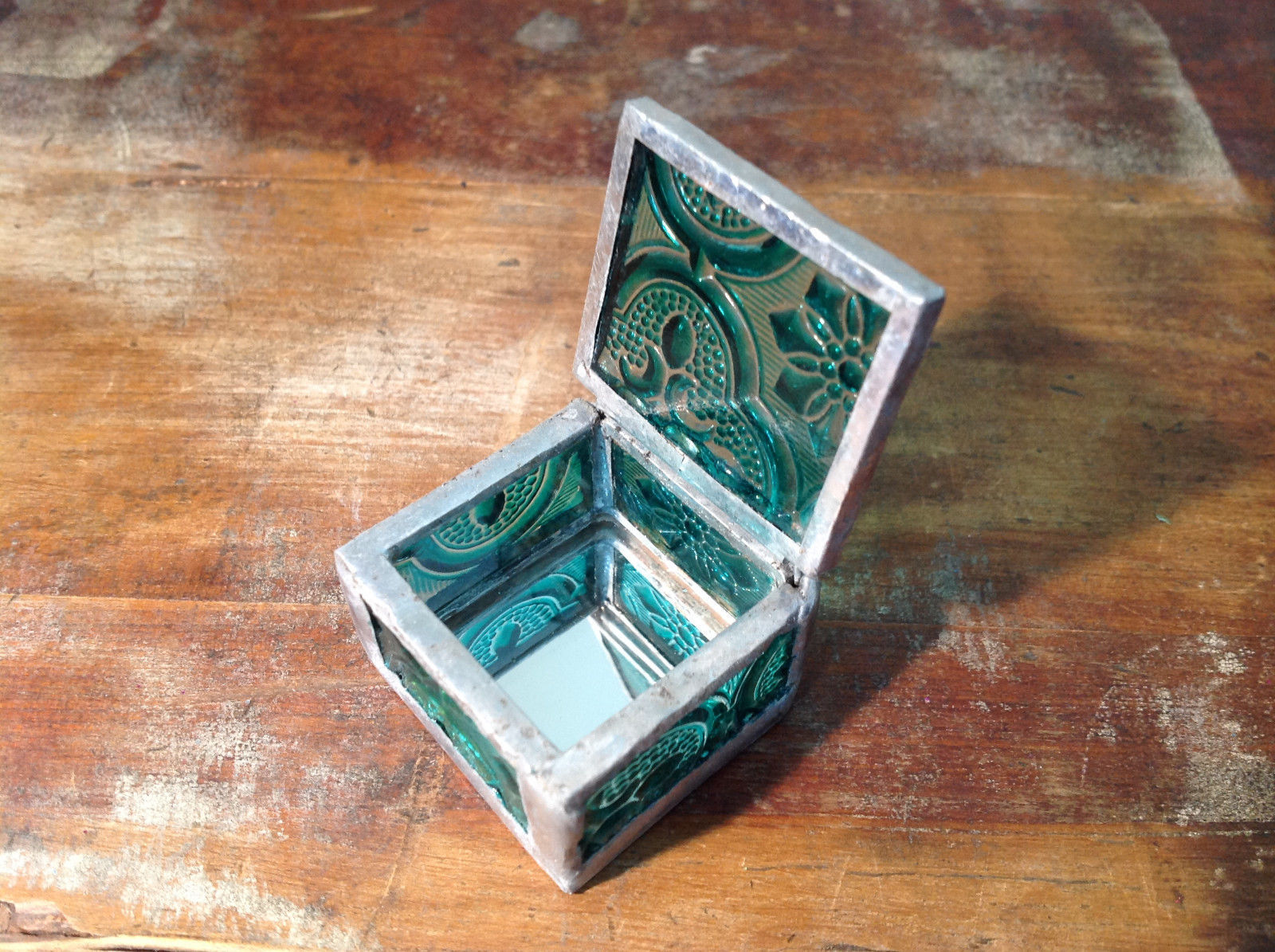 Sea Green Embossed Glass Ring Box Mirrored Bottom Paisley Designed Glass
