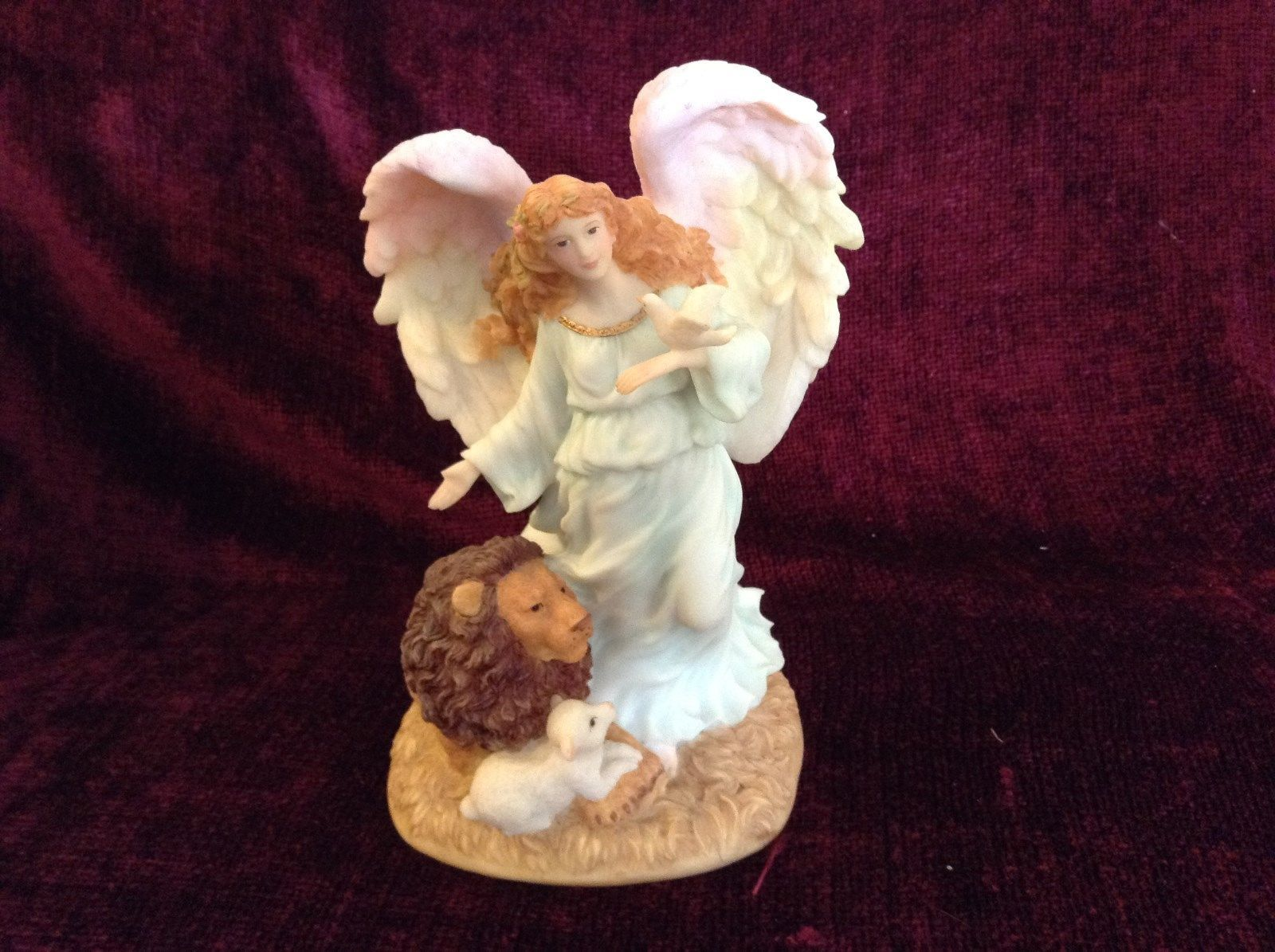Seraphim Classics Serena Angel of Peace Angel Figurine Regal Angel Decoration