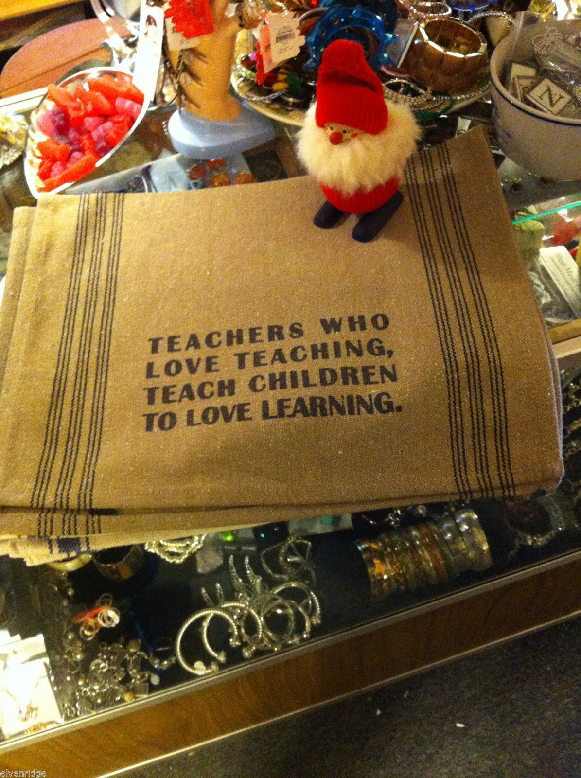 Set  2 Canvas Kitchen Towels Rustic with Teachers who love teaching saying