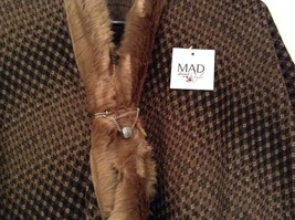 NEW Khaki Faux Fur Trimmed Lux Cape One Size MAD Style image 4