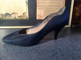 Nadine Blue High Heel Shoes Size 8.5 Excellent Condition See Pictures image 3