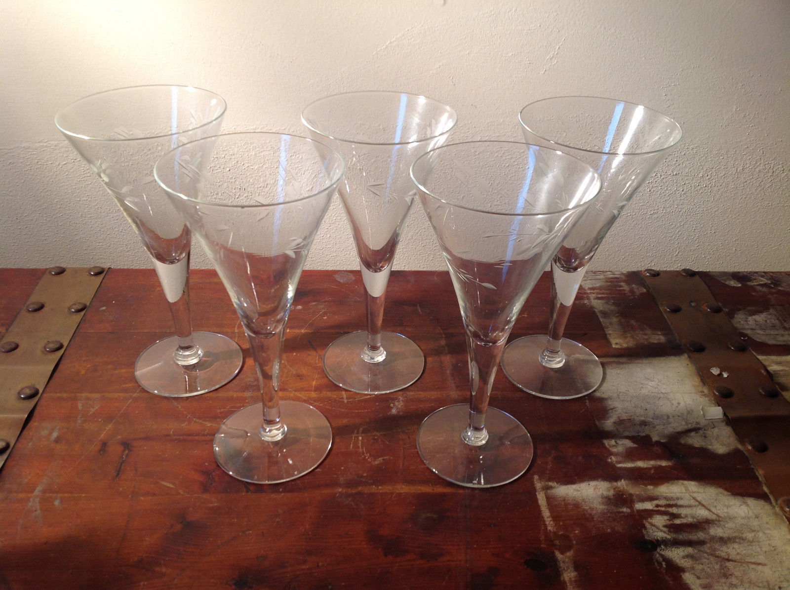 Set of Five Tall Champagne Glass Stemware Cooper Wheel Engraving High Quality